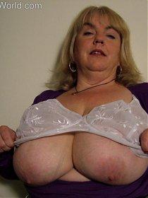 Big tits milf Sarita