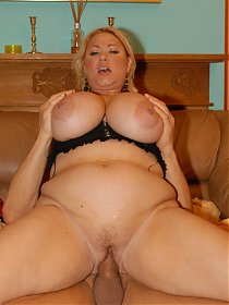 Samantha 38G has some of the biggest all natural titties you will find on Earth!