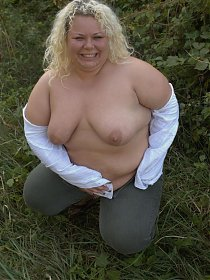 Nasty blonde BBW going all out with a black hunk to enjoy raw pussy pounding from a black prick
